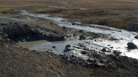 Mud volcano erupts Stok Video
