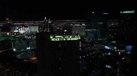 mandalay bay : penthouse evening view - mgm grand, luxor and excalibur hotel