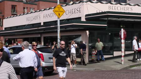 spící : SEATTLE,UNITED STATES - CIRCA May 2012 :people walking at Seattle public market - pike street Dostupné videozáznamy