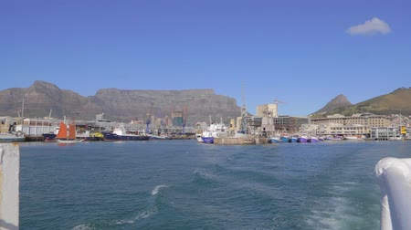 pretoria : CIRCA June 2013 - CAPETOWN ,SOUTH AFRICA - a view of table mountain as seen from a boat heading to Robben island
