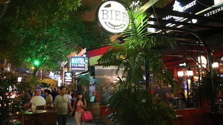 bintang : A busy nightlife scene on busy Changkat Bukit Bintang