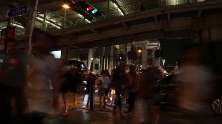 felhőkarcoló : Time lapse of Night scene traffic in Bangkok city , Thailand