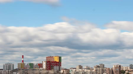 délre : clouds over the city timelapse Ufa Stock mozgókép