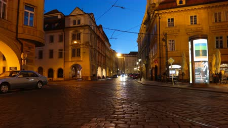 Прага : PRAGUE - JUNE 6: Night traffic in the center of Prague time lapse
