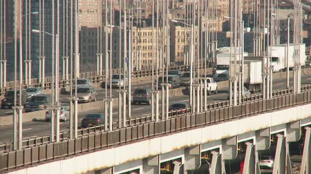 kuzey amerika : NEW YORK - FEBRUARY 13: (Time-lapse) Afternoon traffic flows over the George Washington Bridge showing the movement and flexing of the bridge on February 13, 2013 in New York.