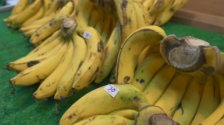 banany : Bananas for sale in farmers market, Zoom Shot
