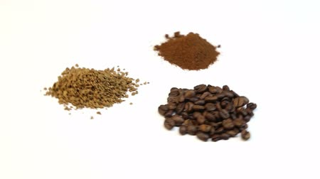 oldódó : Three kinds of coffee, video on white background