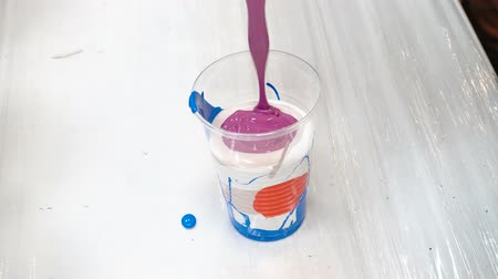 plastic cups : Mixing acrylic paints in plastic cup