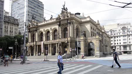 collagepeople : Sao Paulo, Brazil - January 17, 2016: Municipal Theatre of Sao Paulo is one of the most important theaters of the city and one of the postcards of Sao Paulo. Stock Footage