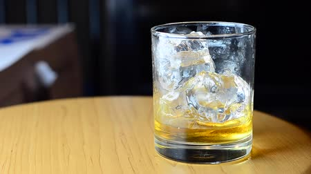 whisky : whiskey with soda water and ice
