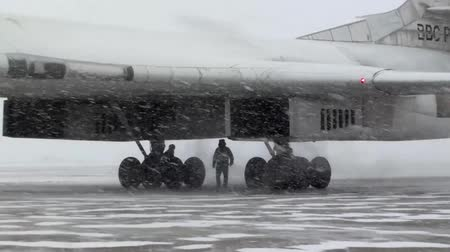volno : The plane ready to fly in the snow