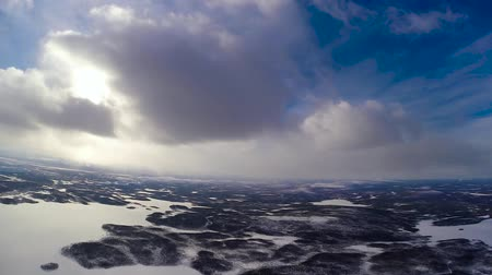 keskeny kilátás : The flight between the ice and the clouds