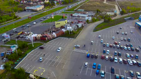 автобус : Cars leave the Parking lot