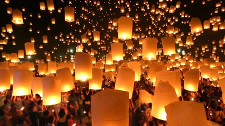 peng : Many Sky Lanterns Floating In Loi Krathong Festival Of Chiang Mai Thailand 2014 Stock Footage