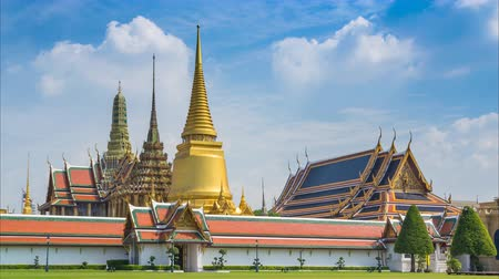 kaew : Wat Phra Kaew Famous Temple Of the Emerald Buddha Bangkok Thailand Time Lapse