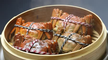 bamboo steamer : shanghai hairy crabs, chinese cuisine, autumn winter delicacy