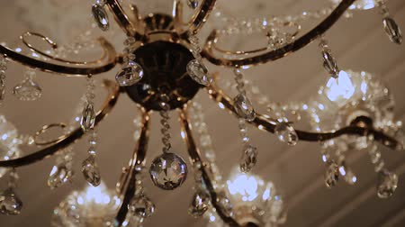 дорогой : Crystal chandelier with beautiful design