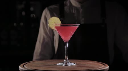 ナイトクラブ : ready-to-drink alcoholic cocktail at the bar.