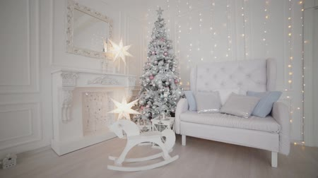 önemsiz şey : Beautiful Christmas decor in the studio. New Year 2020. Stok Video