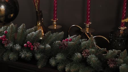 enfeite de natal : Beautiful Christmas decor in the studio. New Year 2020. Stock Footage