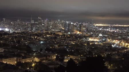 Downtown San Francisco at night. High view point. Vídeos