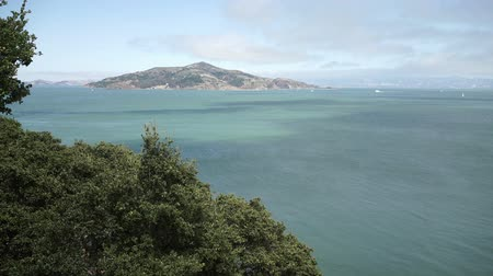 Angel Island State Park seen across San Francisco Bay from near Sausalito. Vídeos