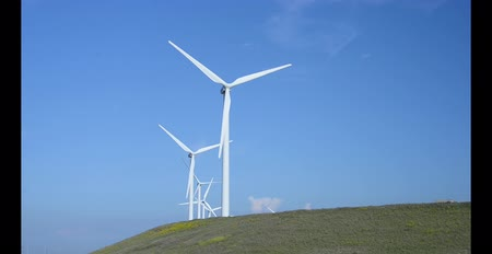 renovável : windmills for energy generation