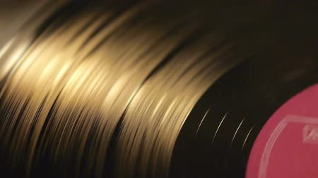 gravar : Vinyl record on turntable, viewed from above. Stock Footage