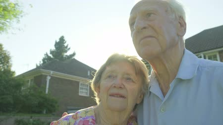 evli : Portrait of a senior caucasian couple backlit by the sun