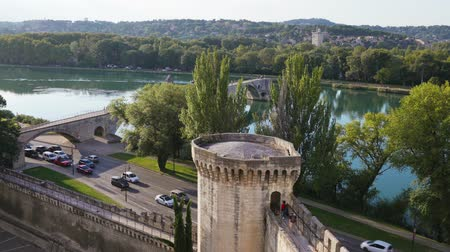 pont : A beautiful view of the Avignon Bridge in the city of Avignon, France