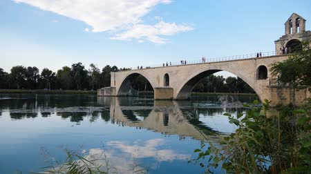 fortificado : Scenic panorama of the Avignon Bridge
