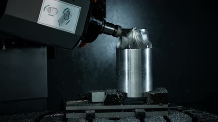 mühendislik : Metalworking CNC milling machine. Cutting metal modern processing technology. Stok Video