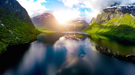 İskandinavya : Aerial footage from Beautiful Nature Norway.