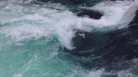 noruega : Mountain river water with slow motion closeup. Norway Beautiful Nature.