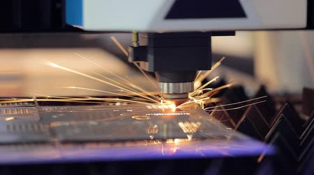 aeroespaço : CNC Laser cutting of metal, modern industrial technology.