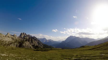 крайняя местности : Timelapse National Nature Park Tre Cime In the Dolomites Alps. Beautiful nature of Italy.