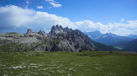dolomitok : National Nature Park Tre Cime In the Dolomites Alps. Beautiful nature of Italy.