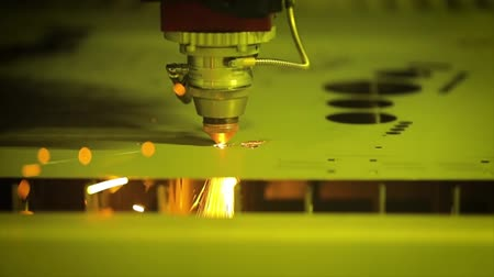 grawerowanie : CNC Laser cutting of metal, modern industrial technology.