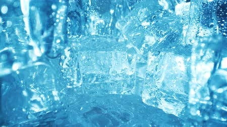 geada : Ice cubes closeup, abstract background.