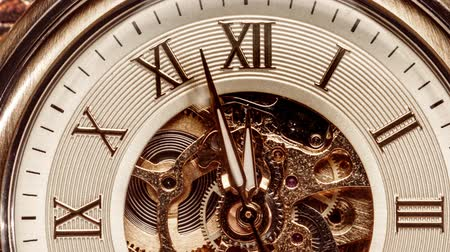 mudança : Antique clock dial close-up. Vintage pocket watch.