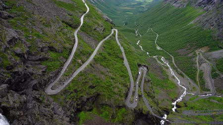 yılantaşı : Trolls Path Trollstigen or Trollstigveien winding mountain road in Norway.