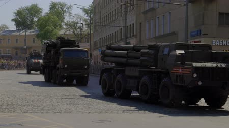 zbroja : MOSCOW, RUSSIA - MAY 07, 2019:Russian military equipment on the streets of Moscow. Preparation for the parade in honor of the victory in the second world war.