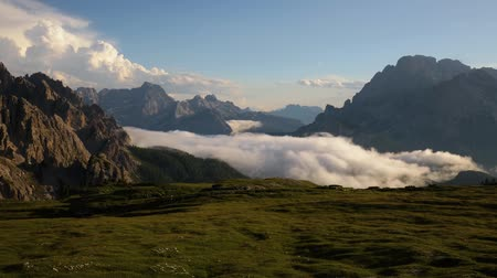 tirol : Timelapse National Nature Park Tre Cime en los Alpes Dolomitas. Hermosa naturaleza de Italia. Archivo de Video