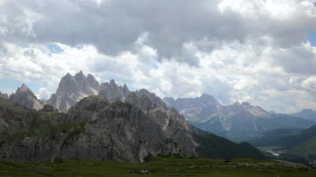 dolomitok : Timelapse National Nature Park Tre Cime In the Dolomites Alps. Beautiful nature of Italy.
