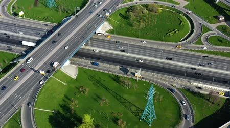 interscambio : Aerial view of a freeway intersection traffic trails in Moscow.