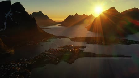 Скандинавия : Evening sunset Lofoten Islands Norway. Reine Lofoten is an archipelago in the county of Nordland, Norway. Стоковые видеозаписи
