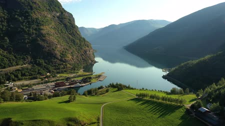 nave di linea : Aurlandsfjord Town Of Flam at dawn. Beautiful Nature Norway natural landscape. Filmati Stock