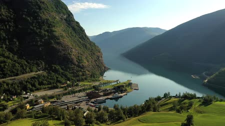 лайнер : Aurlandsfjord Town Of Flam at dawn. Beautiful Nature Norway natural landscape. Стоковые видеозаписи