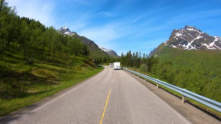 treyler : Vehicle point-of-view Driving a Car VR Caravan travels on the highway. Tourism vacation and traveling. Beautiful Nature Norway natural landscape.