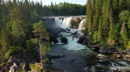 Ristafallet waterfall in the western part of Jamtland is listed as one of the most beautiful waterfalls in Sweden. Dostupné videozáznamy